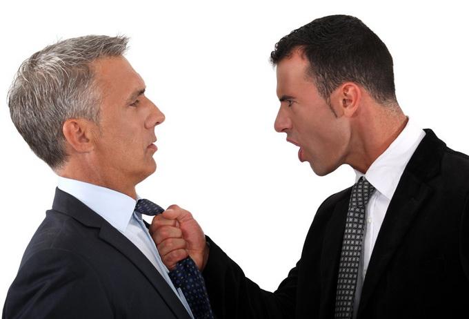 Что делать, если угрожают физической расправой или разбоем